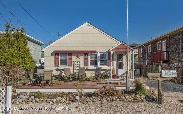 25 6th Street, Beach Haven, NJ 08008 (MLS #21845898) :: The MEEHAN Group of RE/MAX New Beginnings Realty