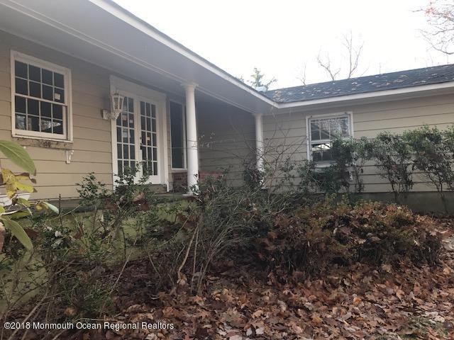 236 Holland Road, Holmdel, NJ 07733 (MLS #21845910) :: Vendrell Home Selling Team