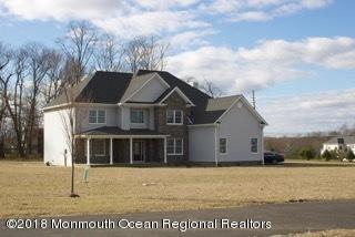 189 Monmouth Road, Freehold, NJ 07728 (MLS #21846245) :: The MEEHAN Group of RE/MAX New Beginnings Realty