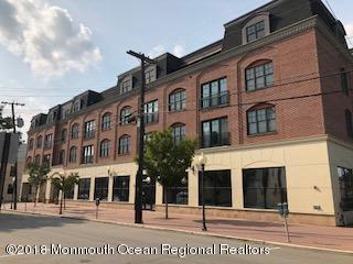 23 Wallace Street #209, Red Bank, NJ 07701 (MLS #21847279) :: The MEEHAN Group of RE/MAX New Beginnings Realty