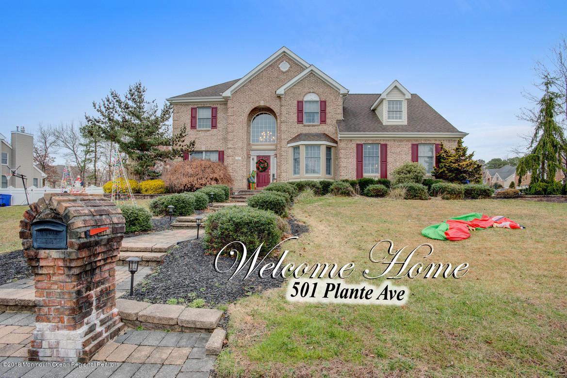 501 Plante Avenue - Photo 1