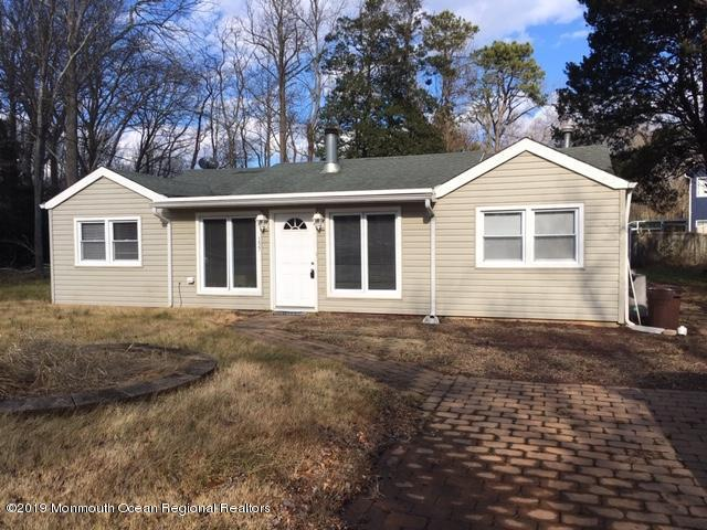 137 Lighthouse Drive, Waretown, NJ 08758 (MLS #21900620) :: The MEEHAN Group of RE/MAX New Beginnings Realty
