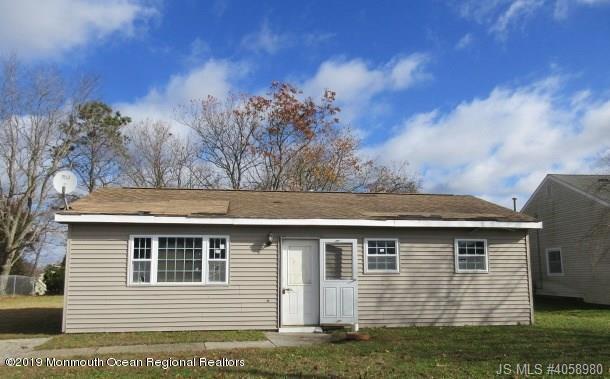 74 Georgetown Boulevard, Barnegat, NJ 08005 (MLS #21902135) :: The MEEHAN Group of RE/MAX New Beginnings Realty