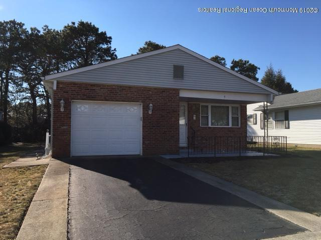 9 Lyford Court, Toms River, NJ 08757 (MLS #21906566) :: The MEEHAN Group of RE/MAX New Beginnings Realty