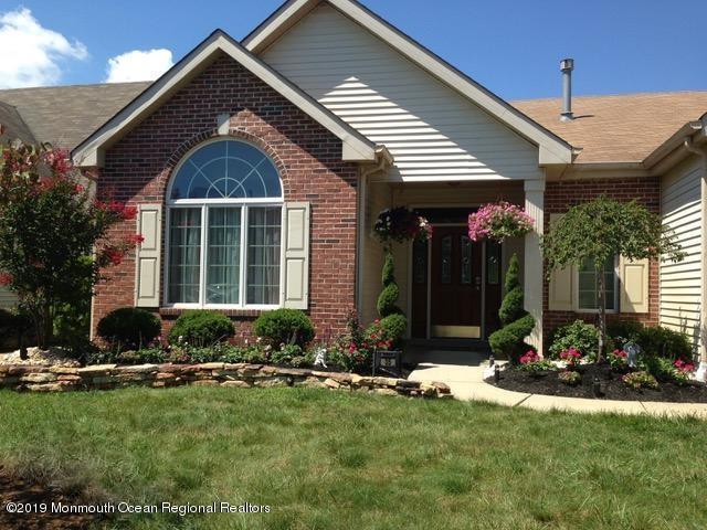35 Leeds Lane, Monroe, NJ 08831 (MLS #21907081) :: Vendrell Home Selling Team