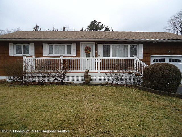 19 Annapolis Road, Toms River, NJ 08757 (MLS #21908537) :: The MEEHAN Group of RE/MAX New Beginnings Realty