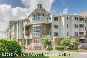 33 Cooper Avenue #307, Long Branch, NJ 07740 (MLS #21910233) :: The MEEHAN Group of RE/MAX New Beginnings Realty