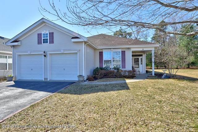 5 Overbrook Court, Barnegat, NJ 08005 (MLS #21912173) :: The MEEHAN Group of RE/MAX New Beginnings Realty