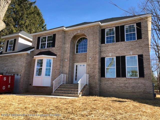 4 Tall Oaks Court, Morganville, NJ 07751 (MLS #21913169) :: The MEEHAN Group of RE/MAX New Beginnings Realty