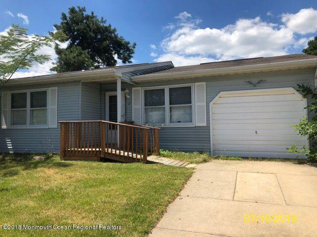 5 Caribou Drive, Whiting, NJ 08759 (MLS #21914748) :: The MEEHAN Group of RE/MAX New Beginnings Realty