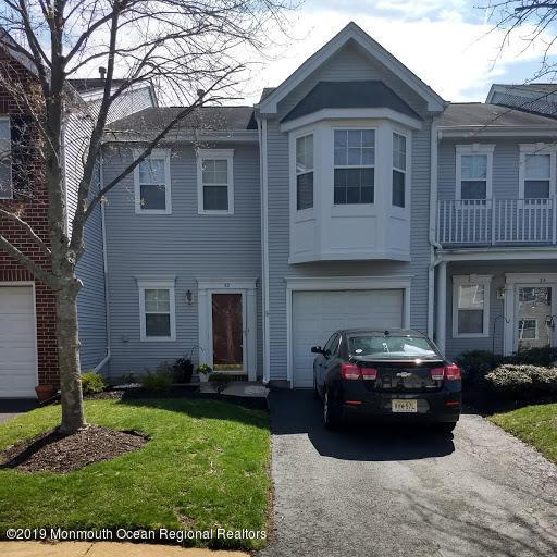 32 Picket Place #1000, Freehold, NJ 07728 (MLS #21916022) :: The MEEHAN Group of RE/MAX New Beginnings Realty