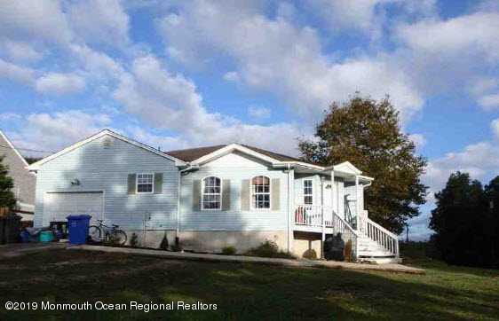 912 Delta Lane, Manahawkin, NJ 08050 (MLS #21916084) :: The MEEHAN Group of RE/MAX New Beginnings Realty