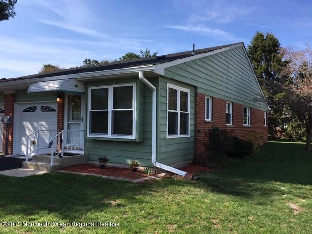 20 Homestead Drive B, Whiting, NJ 08759 (MLS #21916434) :: The MEEHAN Group of RE/MAX New Beginnings Realty