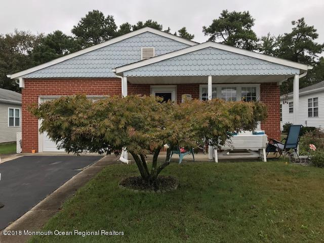 42 Santiago Drive W, Toms River, NJ 08757 (MLS #21916627) :: The MEEHAN Group of RE/MAX New Beginnings Realty