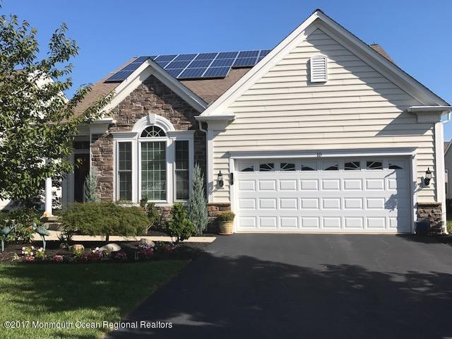10 Fawnhollow Lane, Manchester, NJ 08759 (MLS #21919673) :: The MEEHAN Group of RE/MAX New Beginnings Realty