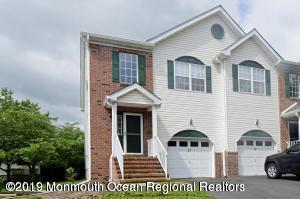 37 Heron Court, Manalapan, NJ 07726 (MLS #21922613) :: The MEEHAN Group of RE/MAX New Beginnings Realty