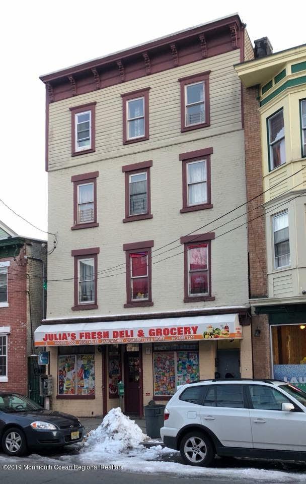18 Van Houten Street, Paterson, NJ 07505 (MLS #21924392) :: The MEEHAN Group of RE/MAX New Beginnings Realty