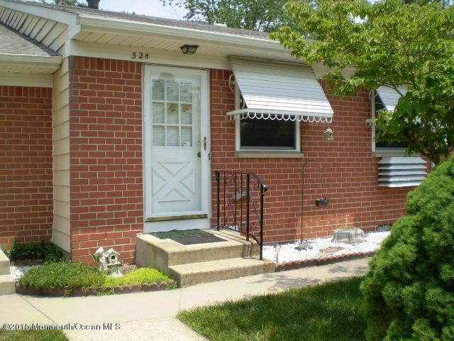 32 Columbus Boulevard H, Manchester, NJ 08759 (MLS #21924921) :: The MEEHAN Group of RE/MAX New Beginnings Realty