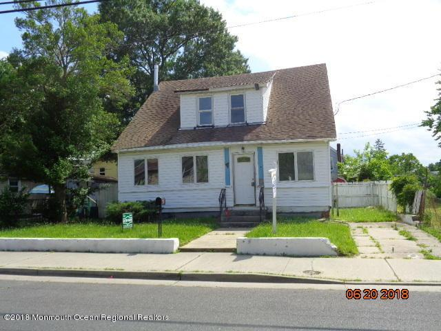 48 Center Avenue, Keansburg, NJ 07734 (MLS #21925037) :: The MEEHAN Group of RE/MAX New Beginnings Realty