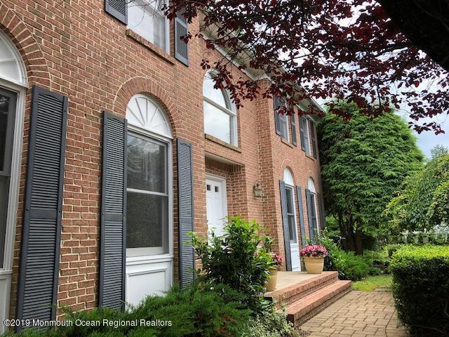 4 Cape May Drive, Marlboro, NJ 07746 (MLS #21925237) :: The Dekanski Home Selling Team