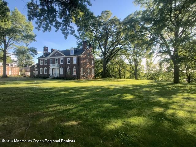 19 Allen Avenue, Oceanport, NJ 07757 (MLS #21925735) :: William Hagan Group