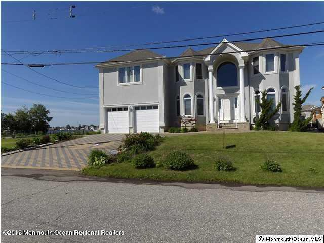 9 Mermaid Road, Toms River, NJ 08753 (MLS #21926460) :: The MEEHAN Group of RE/MAX New Beginnings Realty
