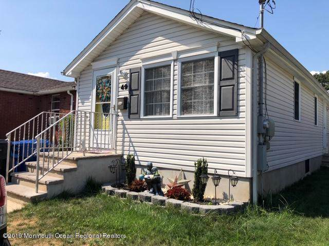 49 Neptune Place, North Middletown, NJ 07748 (MLS #21938270) :: The MEEHAN Group of RE/MAX New Beginnings Realty