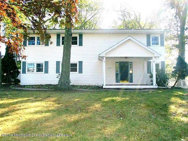 1609 Shady Lane, Toms River, NJ 08753 (MLS #21942563) :: William Hagan Group