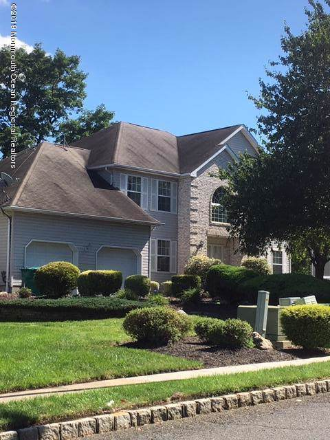 5 Oak Hill Drive, Monroe, NJ 08831 (MLS #21942895) :: The MEEHAN Group of RE/MAX New Beginnings Realty