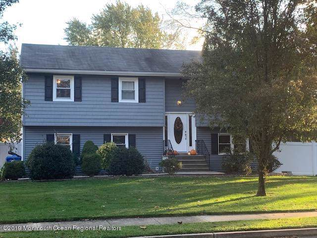 15 Crystal Court, Middletown, NJ 07748 (MLS #21944338) :: The Dekanski Home Selling Team