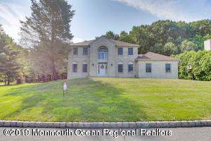 310 Dover Court, Morganville, NJ 07751 (MLS #21947474) :: The Sikora Group