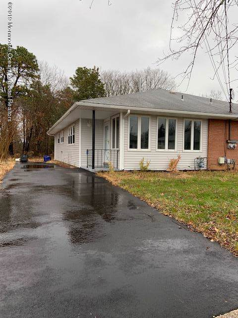 30 Parisian Drive, Toms River, NJ 08753 (MLS #21947902) :: The MEEHAN Group of RE/MAX New Beginnings Realty