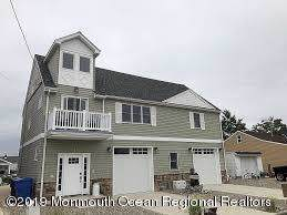 7 Cruiser Court, Toms River, NJ 08753 (MLS #21947990) :: The MEEHAN Group of RE/MAX New Beginnings Realty