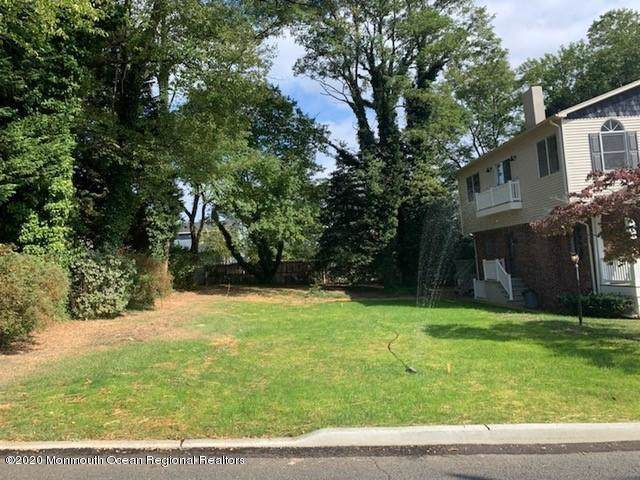 26 Ralph Street, Highlands, NJ 07732 (MLS #22003690) :: The MEEHAN Group of RE/MAX New Beginnings Realty
