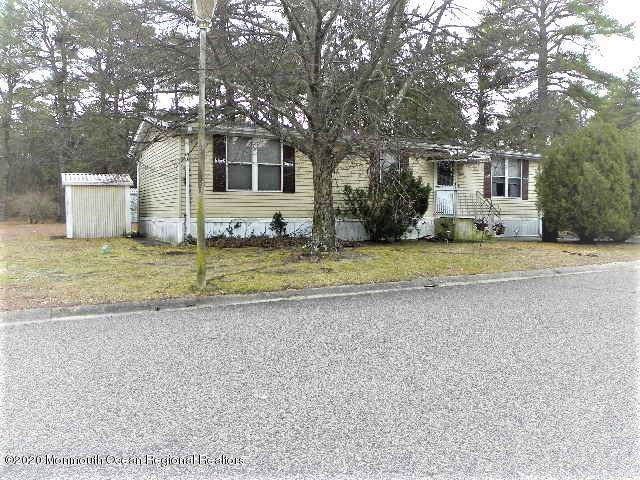 21 Partridge Place, Whiting, NJ 08759 (MLS #22004085) :: The MEEHAN Group of RE/MAX New Beginnings Realty