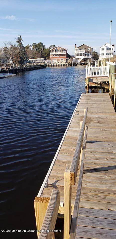 7 Chesapeake Court, Little Egg Harbor, NJ 08087 (MLS #22006932) :: Vendrell Home Selling Team