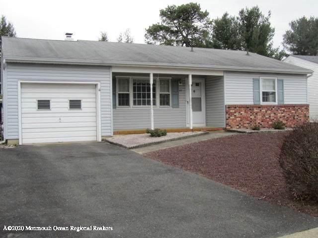 18 Whitaker Drive, Toms River, NJ 08757 (MLS #22009718) :: The Dekanski Home Selling Team