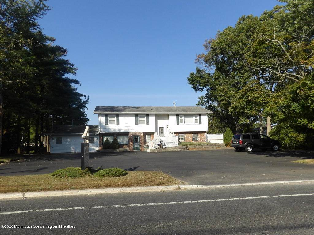 1380 Lakewood Road - Photo 1