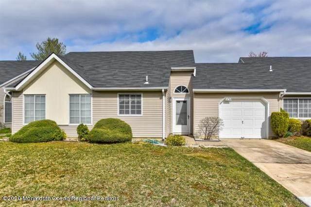 573 Nutley Drive B, Monroe, NJ 08831 (MLS #22011694) :: Vendrell Home Selling Team