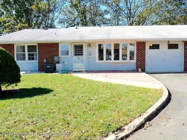 914B Dumbarton Drive #1002, Lakewood, NJ 08701 (MLS #22016063) :: The Premier Group NJ @ Re/Max Central