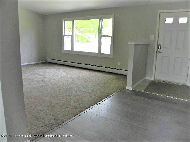 45 Central Parkway - Photo 1