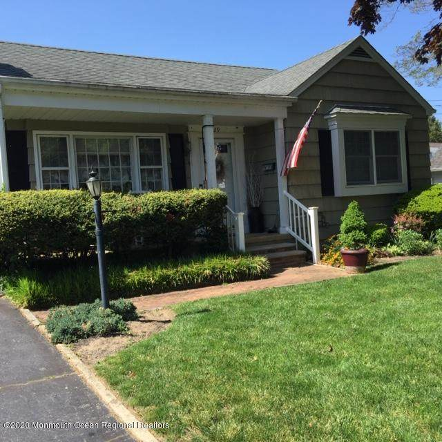 29 Orchard Place, Little Silver, NJ 07739 (MLS #22016442) :: The MEEHAN Group of RE/MAX New Beginnings Realty