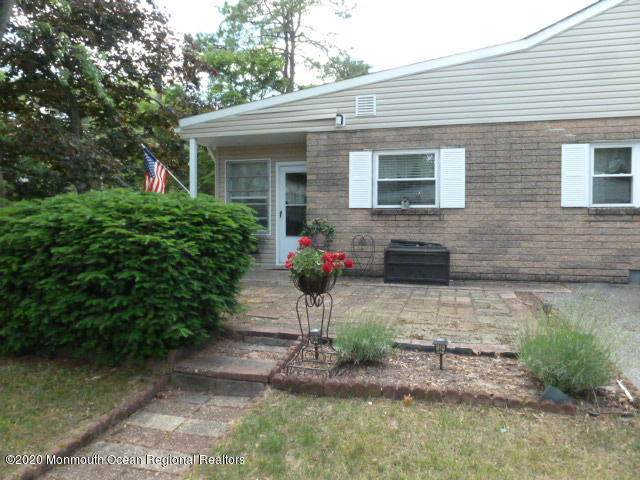 6 Magnolia Street A, Manchester, NJ 08759 (MLS #22018476) :: The MEEHAN Group of RE/MAX New Beginnings Realty