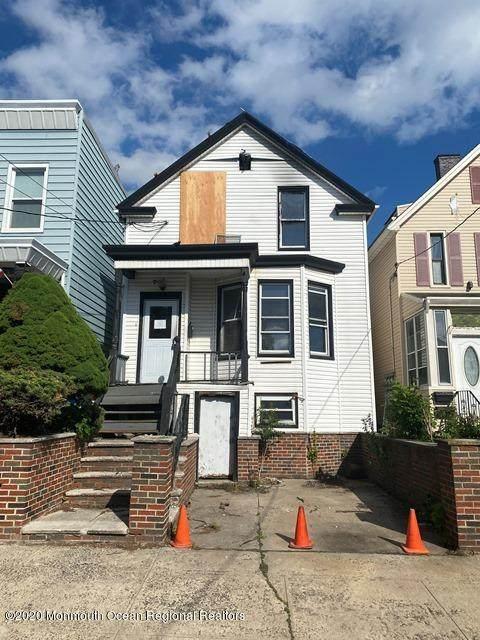 72 Columbia Avenue, Jersey City, NJ 07307 (MLS #22021372) :: Kiliszek Real Estate Experts