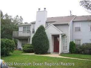 384-1 Hampton Place, Morganville, NJ 07751 (MLS #22022063) :: The Premier Group NJ @ Re/Max Central