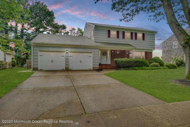 33 Brookwood Drive, Freehold, NJ 07728 (MLS #22022108) :: The MEEHAN Group of RE/MAX New Beginnings Realty