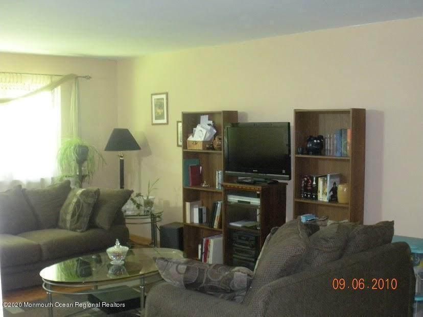 498D Laurel Brook Drive - Photo 1