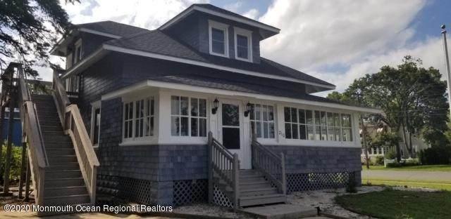 210 Elm Street, Lakehurst, NJ 08733 (MLS #22027730) :: The MEEHAN Group of RE/MAX New Beginnings Realty