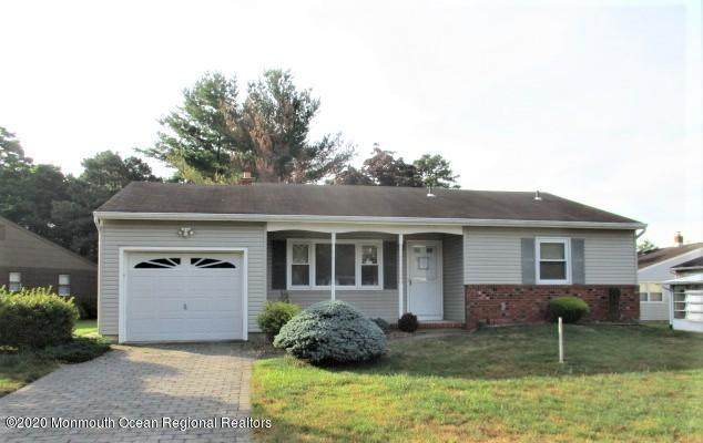 27 Burlington Court, Toms River, NJ 08757 (MLS #22028225) :: The Sikora Group