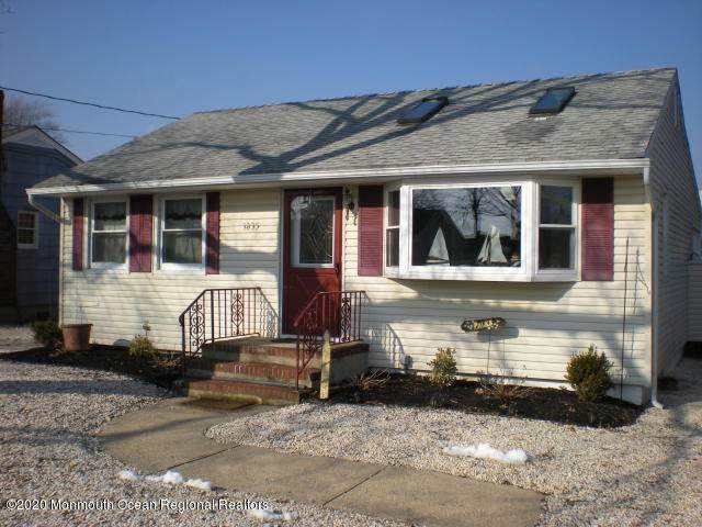 1835 Riviera Parkway, Point Pleasant, NJ 08742 (MLS #22029811) :: William Hagan Group